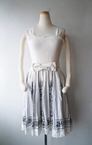 LoisCRAYON(ロイスクレヨン) 古着 リサイクル シャーリング刺繍ワンピース