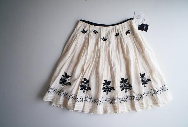 LoisCRAYON(ロイスクレヨン) 古着 リサイクル ナッツ刺繍スカート