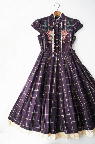 LoisCRAYON(ロイスクレヨン) バラ刺繍 チェック ワンピース