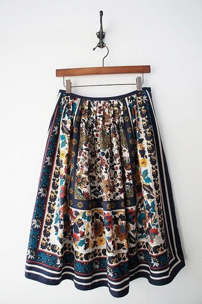 LoisCRAYON(ロイスクレヨン) 古着 リサイクル クラシカルフラワーパネルフレアスカート