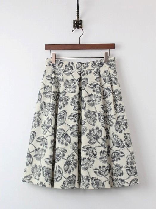 LoisCRAYON(ロイスクレヨン) モノトーン フラワー スカート