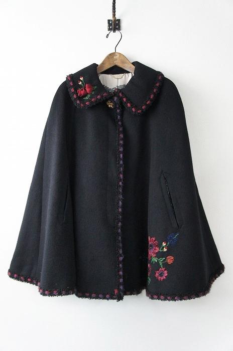 LoisCRAYON(ロイスクレヨン) 古着 リサイクル 2013 受注コート エルトロ お花 刺繍 マント コート